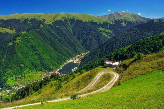 Uzungöl, Karadeniz'in İncisi Trabzon ilinde en çok ziyaret edilen turizm bölgesi